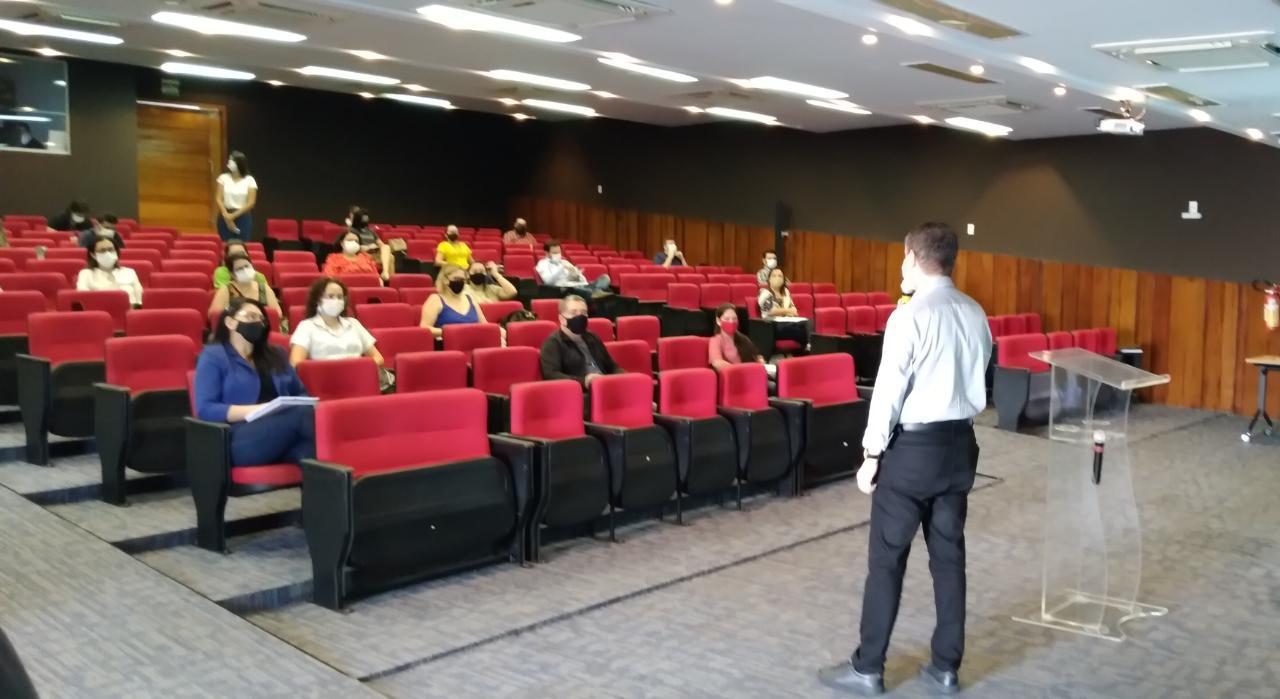 Governo lança edital de cadastro e seleção de servidores que queiram ser instrutores em cursos de capacitação