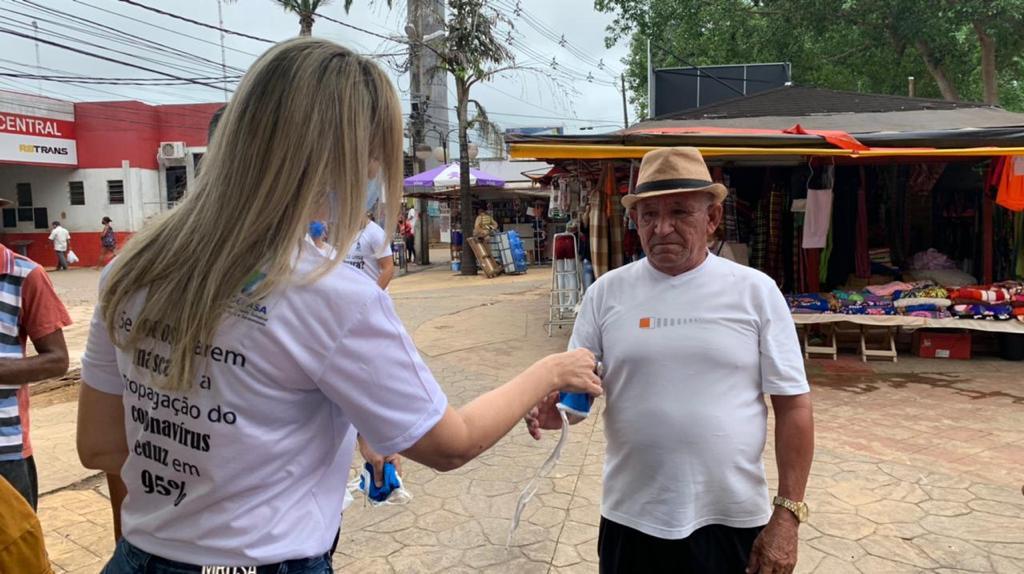 Governo distribui máscaras de proteção no centro de Rio Branco