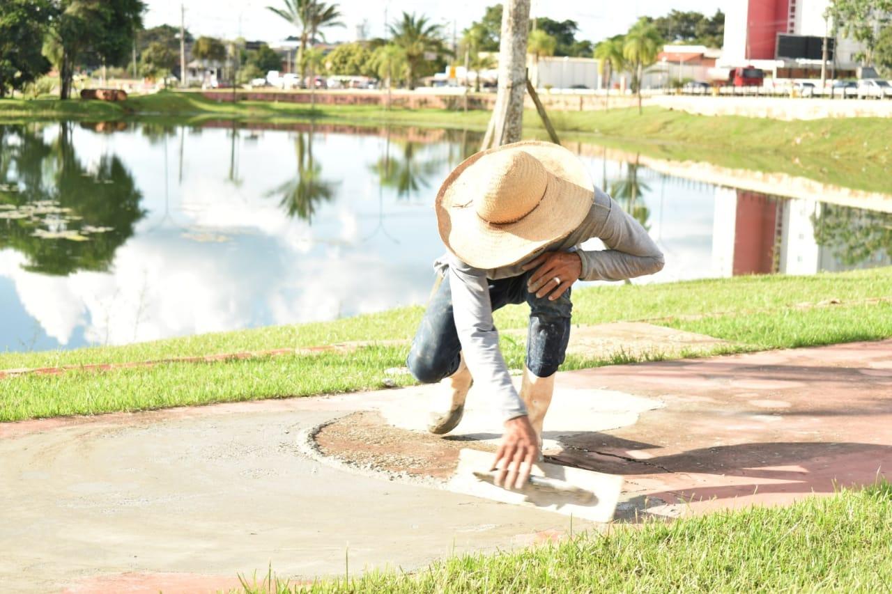 Espaços públicos do Acre recebem obras de manutenção