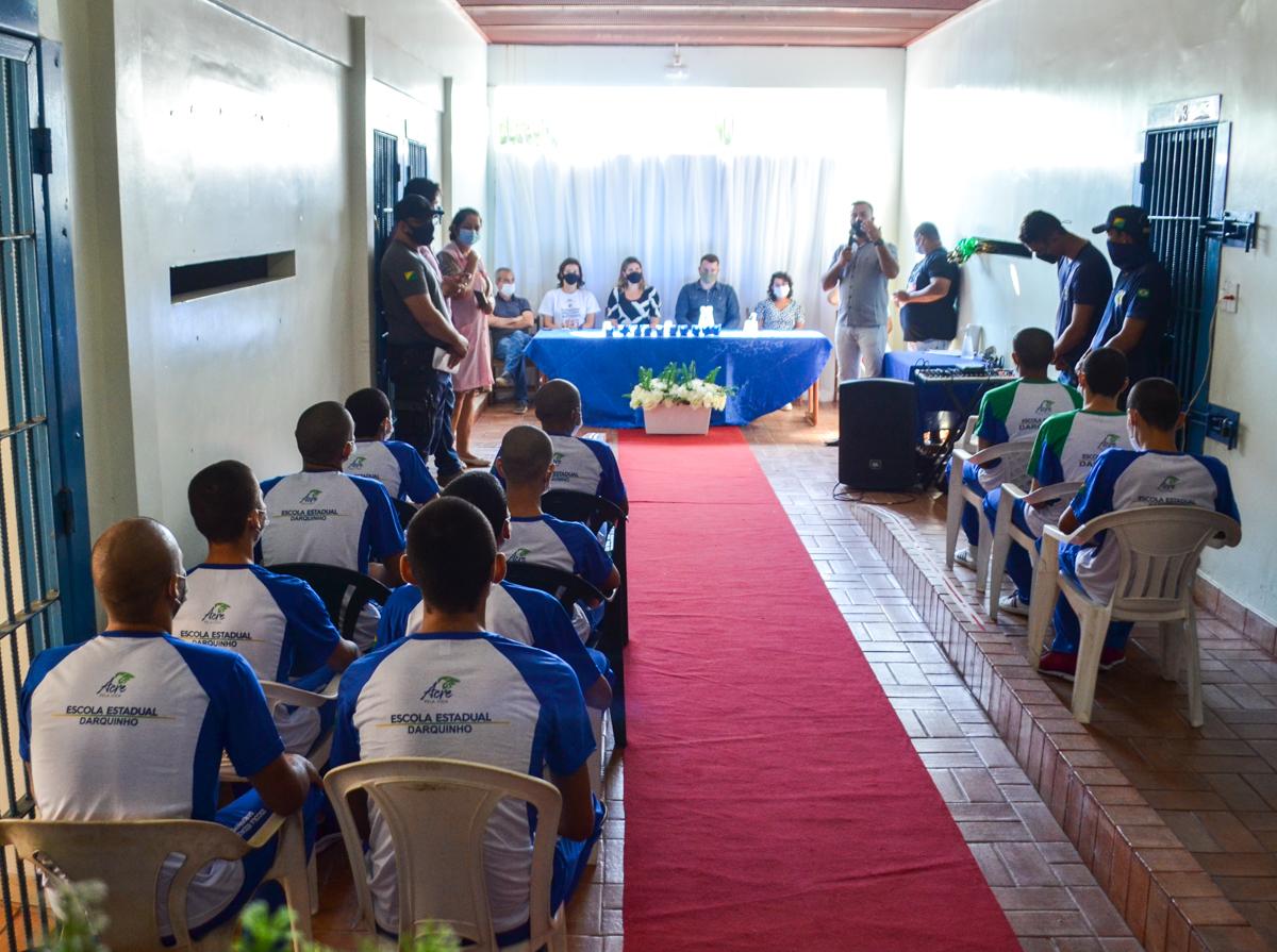 Educação e Sistema Socioeducativo realizam formatura de adolescentes em Rio Branco
