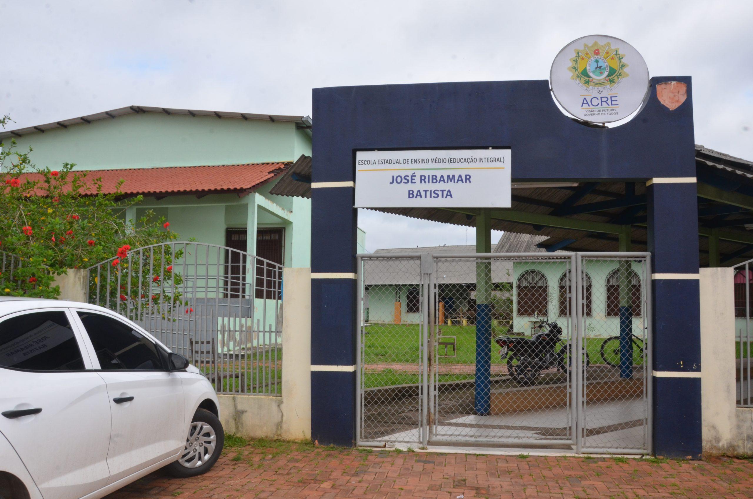 Parcerias garantem acesso de alunos da Escola José Ribamar Batista à universidade