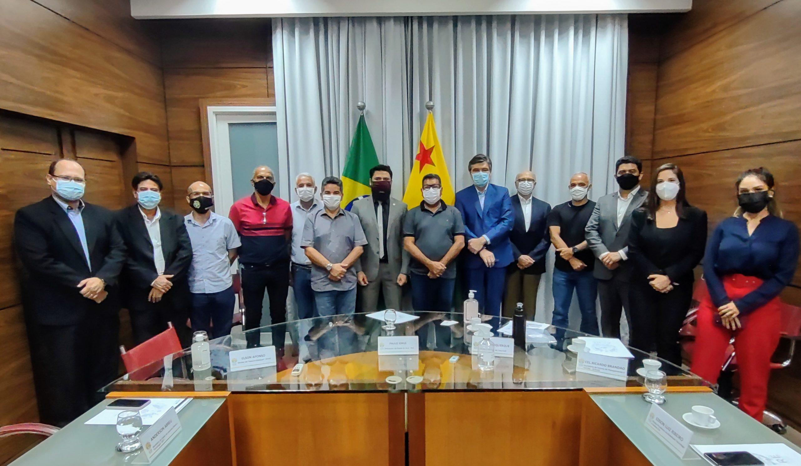 Projeto de implantação de fibra ótica nos órgãos públicos do Estado é apresentado na Casa Civil