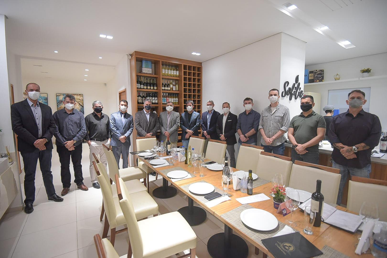 Governador Gladson Cameli participa de jantar com oficiais do Comando Aéreo Amazônico e 9º Distrito Naval