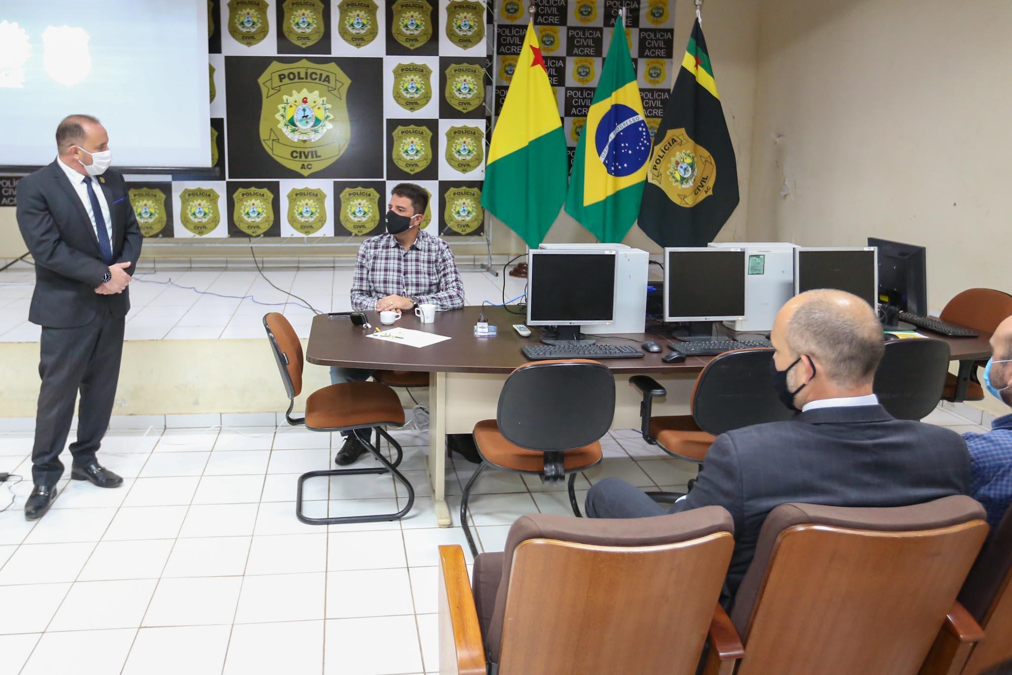 Polícia Civil apresenta ao governador resultado das ações do Grupo de Enfrentamento aos Crimes de Ordem Tributária