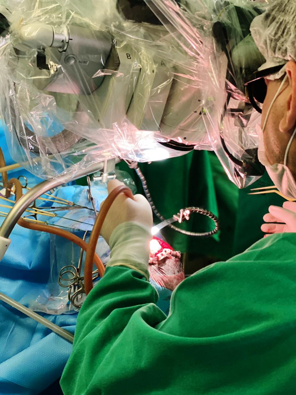 Neurocirurgia do Acre avança com uso de corante 5-ALA, que oferece maior chance de cura
