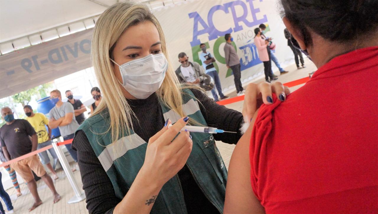 Em 48 horas, mutirão de vacinação do Estado alcança quase cinco mil pessoas