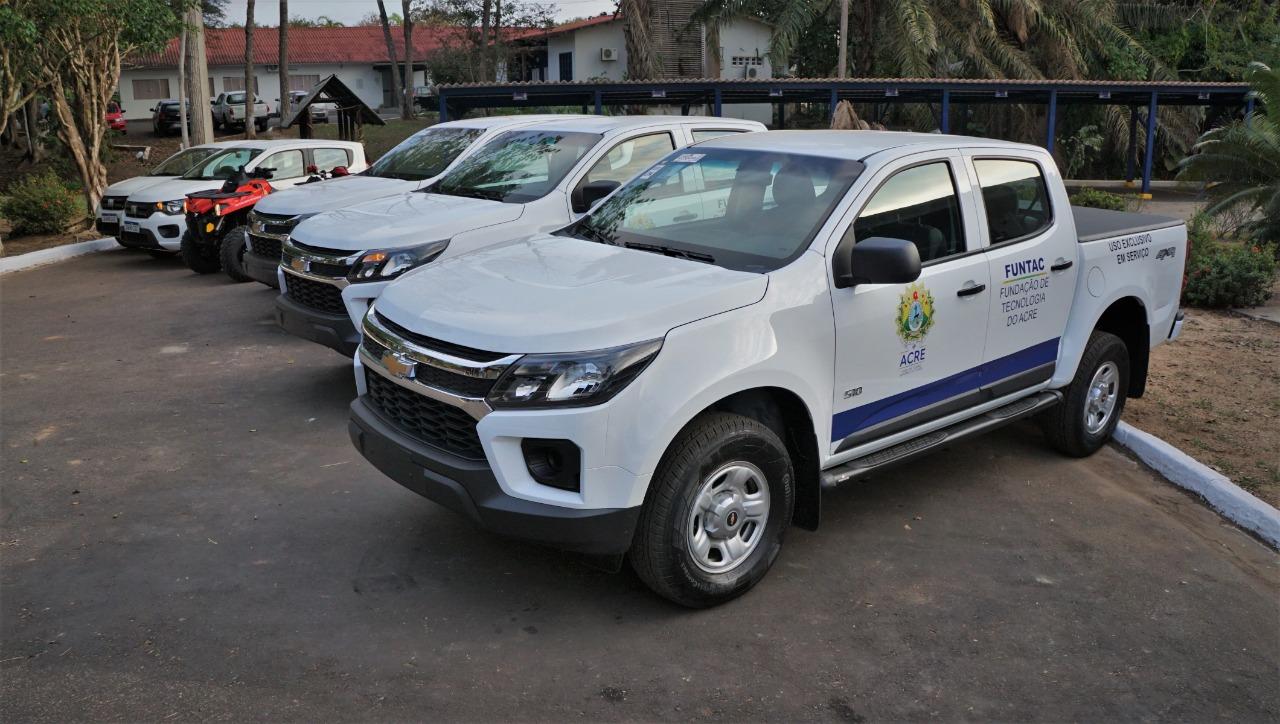 Nos onze anos do Ipem, governador entrega veículos e lança programa de fiscalização unificada