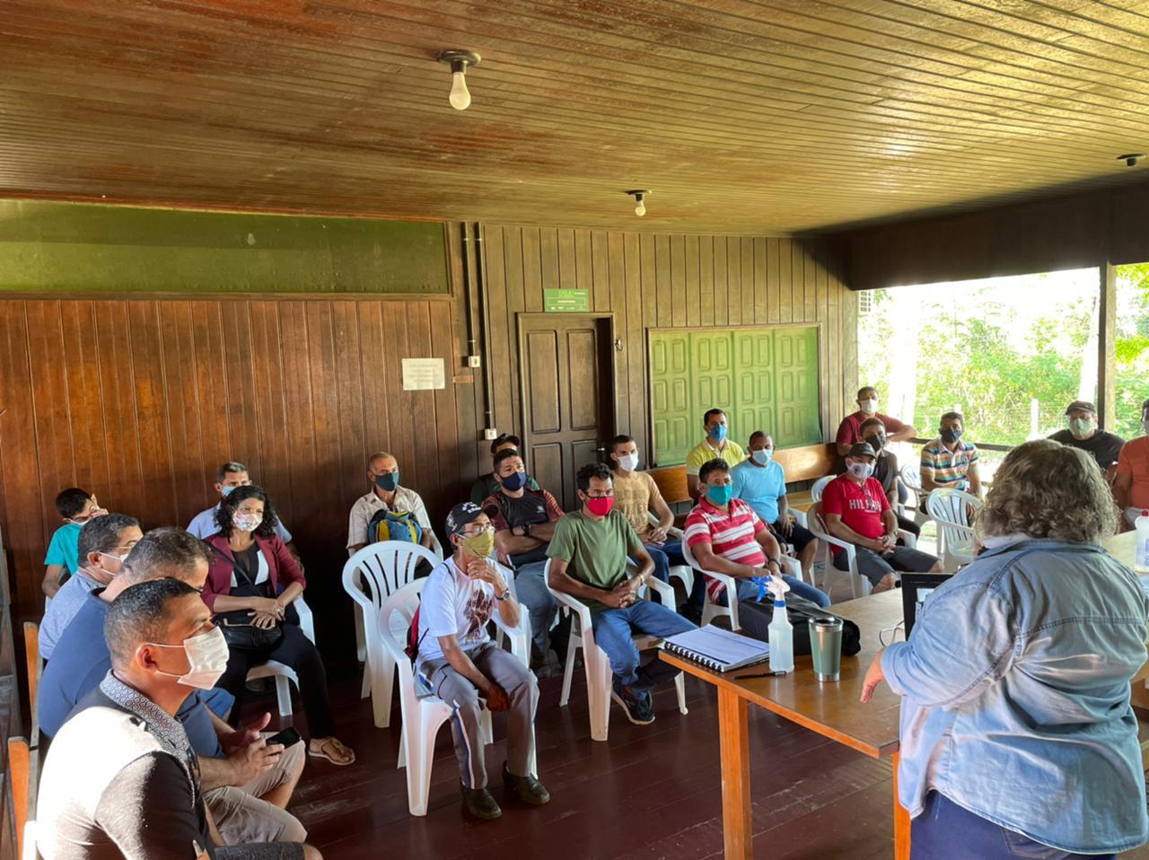 Primeira Rodada de Negócios do setor florestal reúne empresários e representantes de comunidades rurais do Juruá