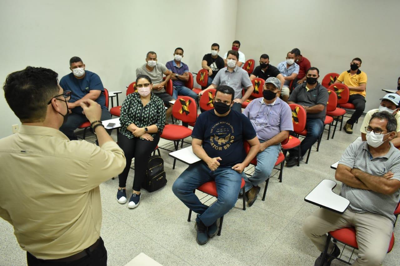 Governo se reúne com representantes da construção civil do Juruá