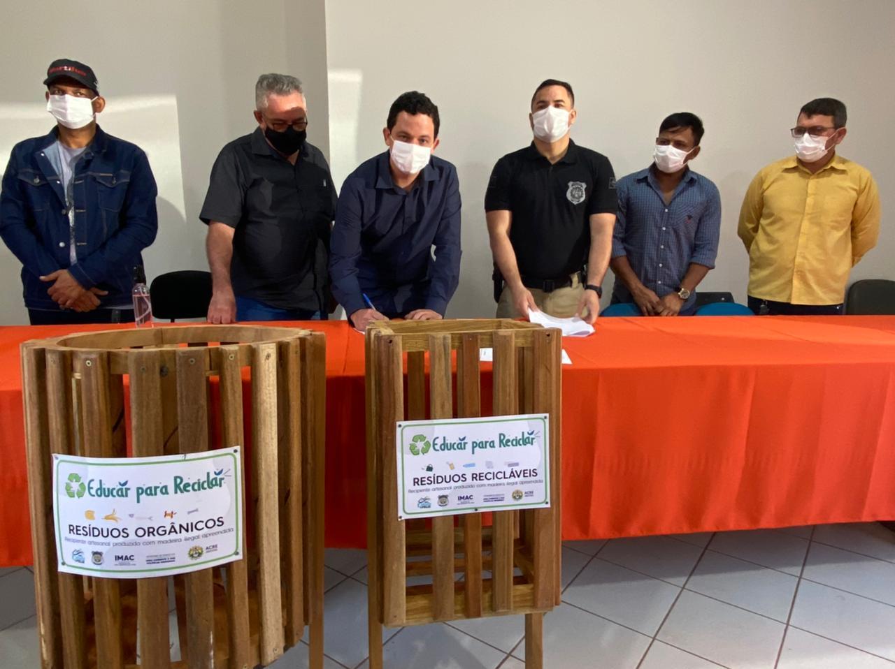 Governo lança projeto Educar para Reciclar em Plácido de Castro