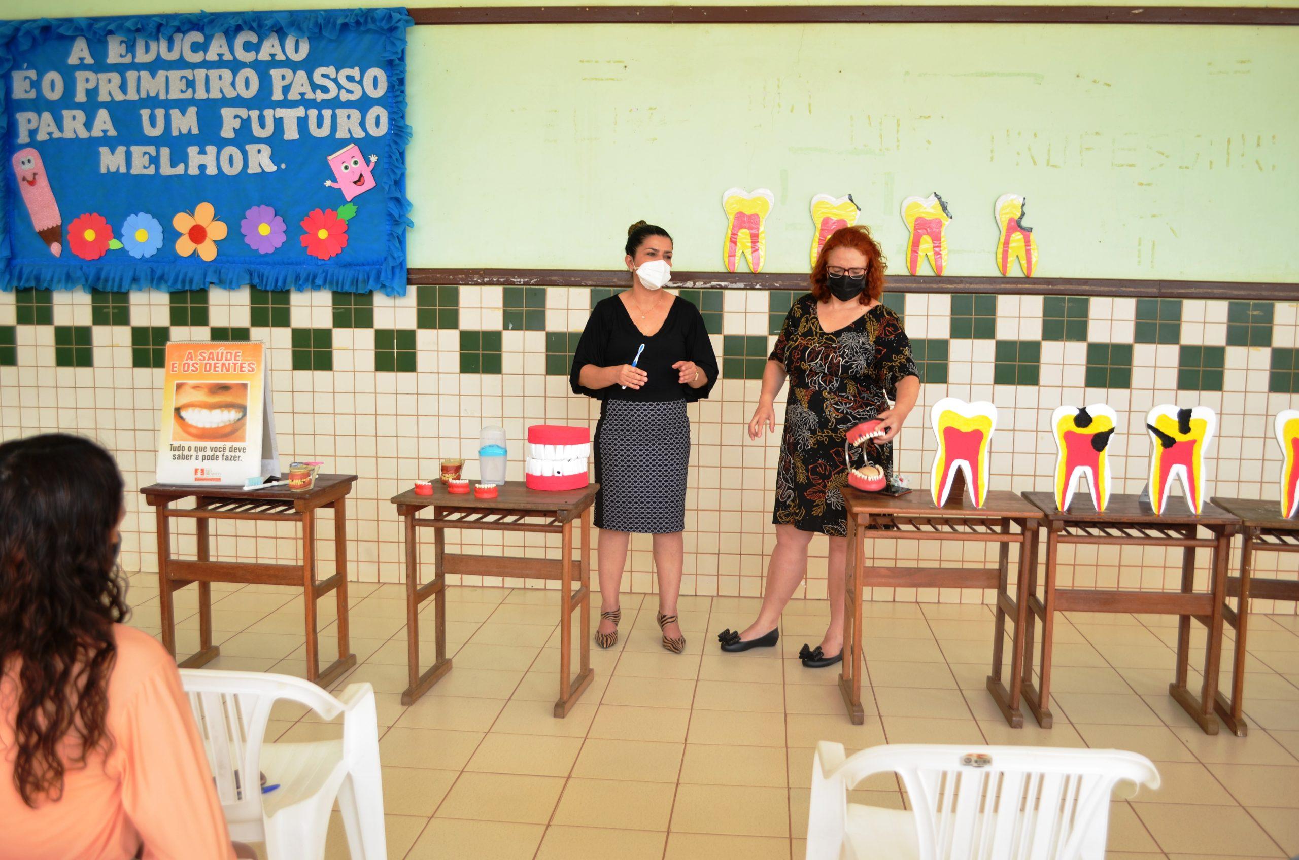 Educação do Acre realiza ação de prevenção odontológica com pais nas escolas