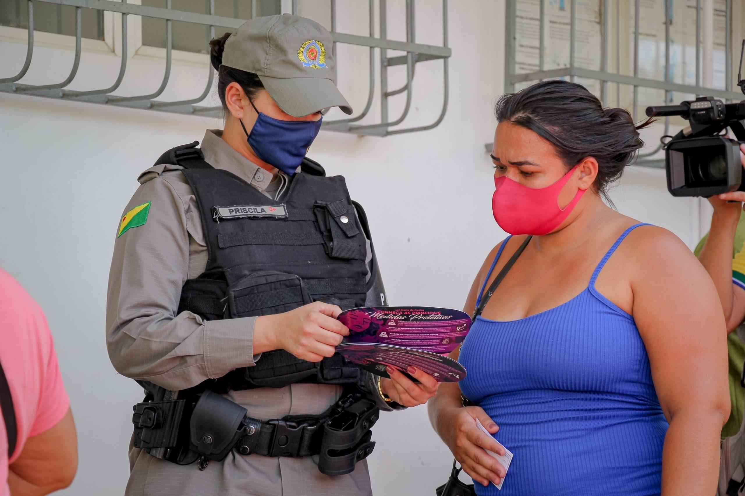 Governo lança programa itinerante para atender mulheres vítimas de violência nos bairros