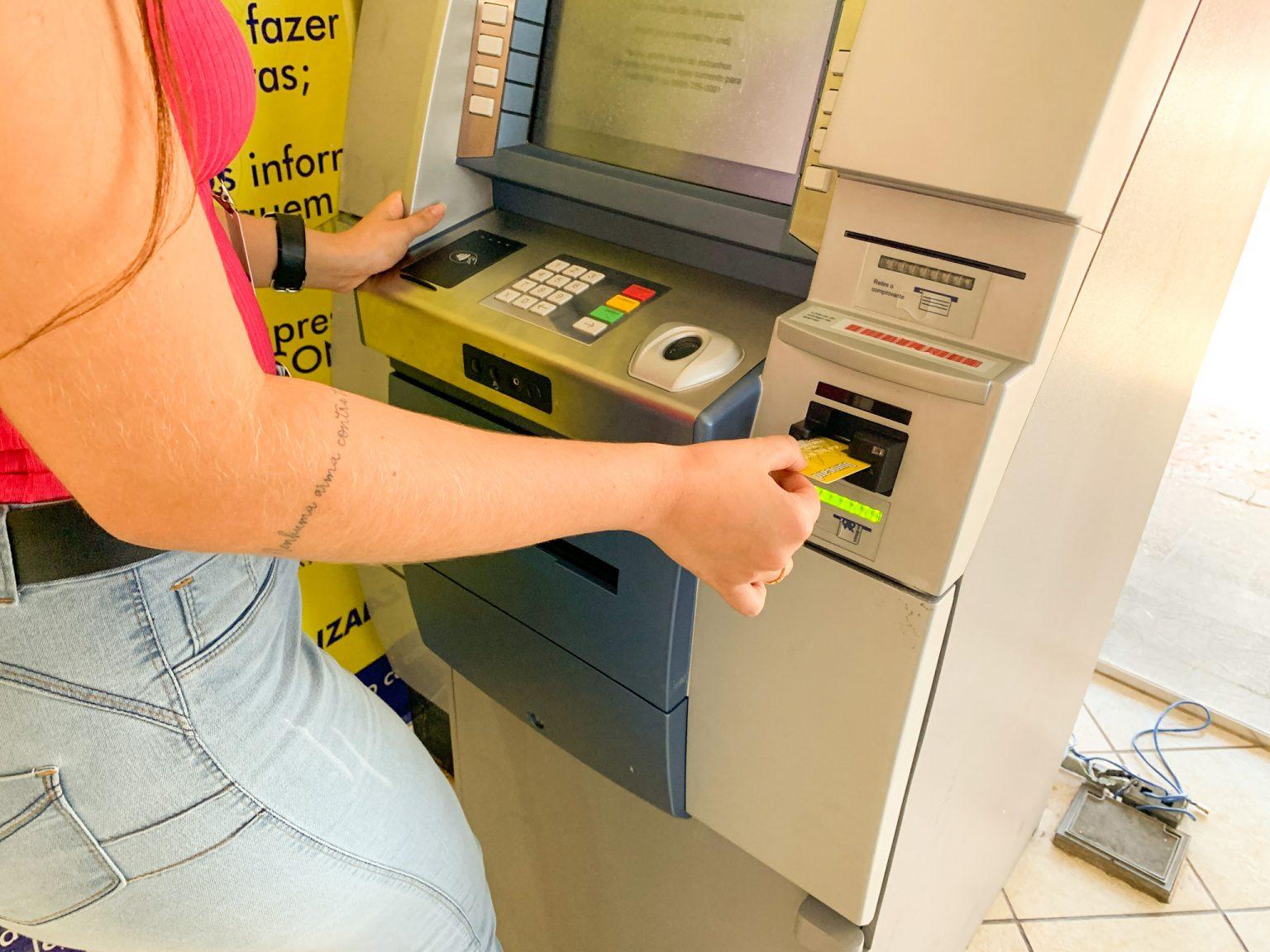Governo libera pagamento do 3º lote de retroativos para servidores nesta sexta