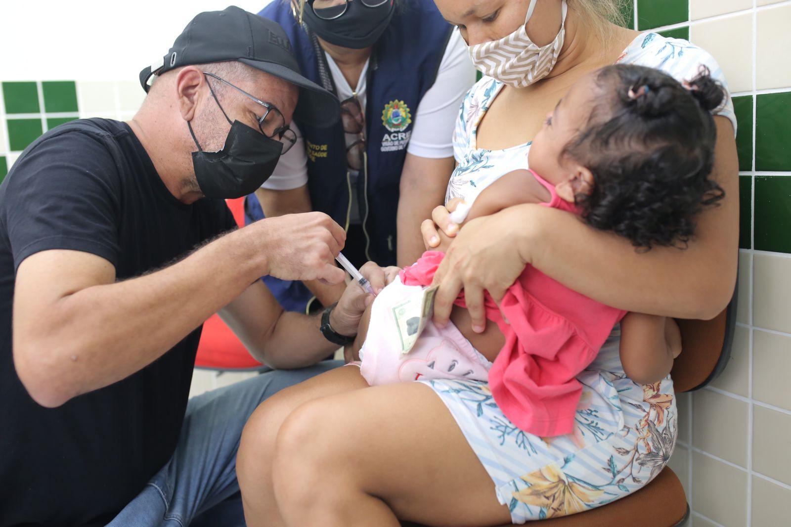 Governo leva mutirão de vacinação aos moradores da Cidade do Povo